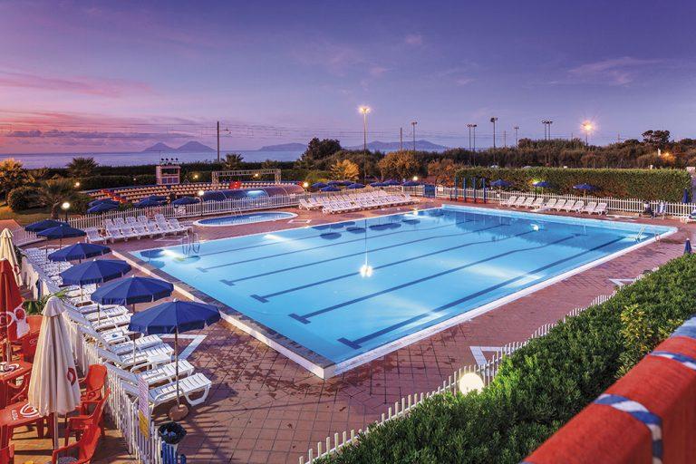 hotel-riviera-del-sole-piscina-001