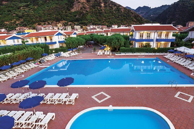 hotel-riviera-del-sole-piscina-004